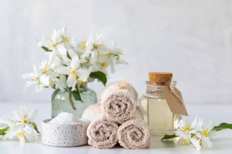 aceite de almendras para la piel y el cabello spa