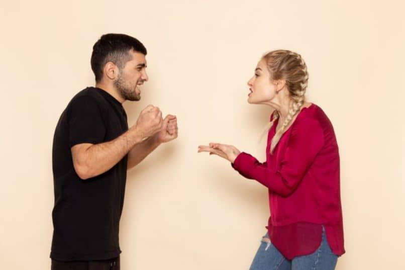actitudes que alejan a los hombres